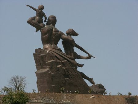 Monument_renaissanceafricaine2__130__rs