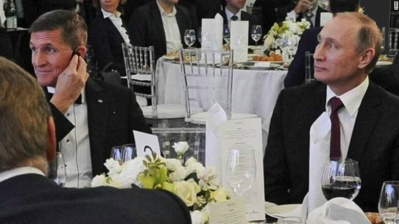 Michael Flynn with Vladimir Putin RT dinner