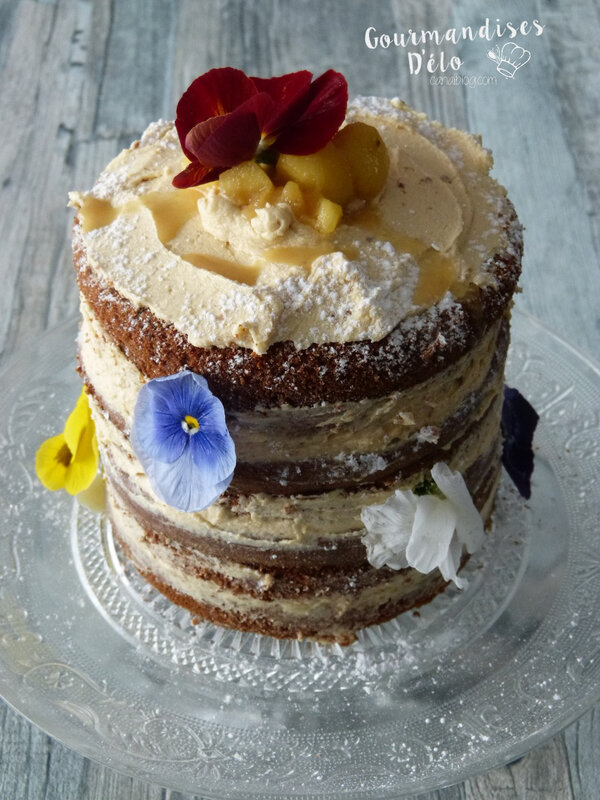 Naked cake pommes caramel beurre salé (30)