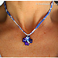 Collier Croix Swarovski bleu roi