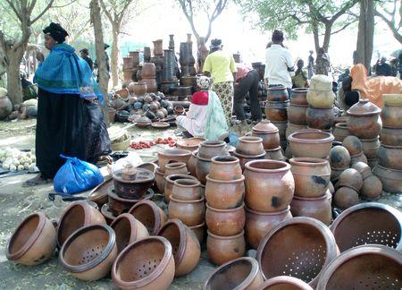 Poteries de Kalabougou au marché de SÉGOU Mali