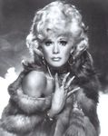 tv_1974_the_sex_symbol_connie_stevens_fur_2