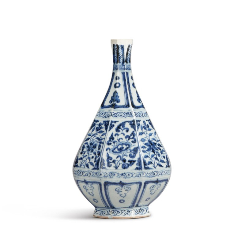 A blue and white faceted pear-shaped vase, Yuan dynasty (1279-1368)