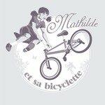 Mathilde_et_sa_bicyclette_GRIS