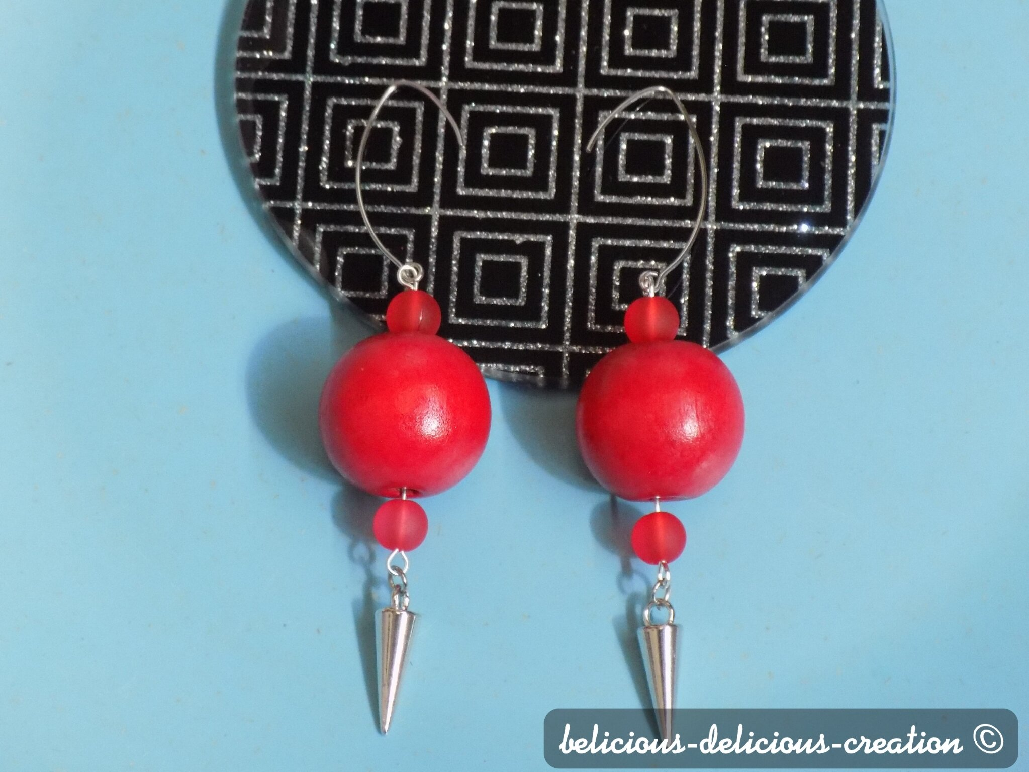 Original Boucles d'oreilles femme !! RED SPIKE !! perles en bois rouge et spike cone 10cm Long belicious-delicious-creation