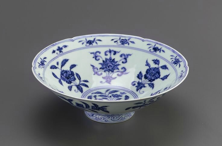 Bowl with foliate rim, 1426-1435, Ming dynasty, Xuande reign. Porcelain with cobalt pigment under clear colorless glaze. H: 7.8 W: 22.7 cm. Jingdezhen, China. Purchase F1952.17. Freer/Sackler © 2014 Smithsonian Institution