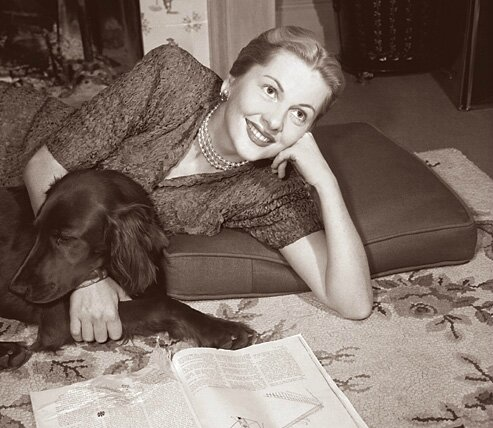 joan fontaine reading