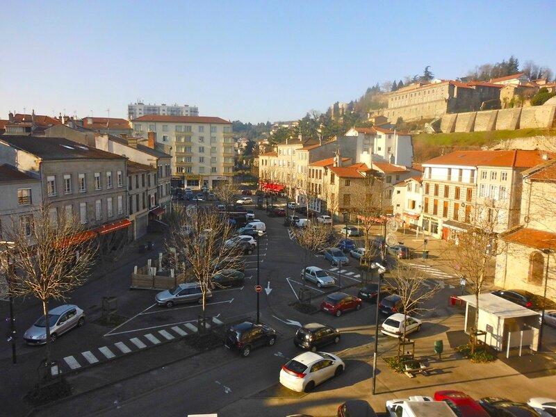 place Saint-Pierre le 1er janvier à 11 h 18 en 2014 (1)