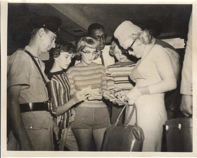 autographe-marilyn-1957-01-jamaica-1b