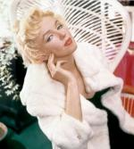 Wicker_sitting_inspiration-marilyn-1956-beaton-3