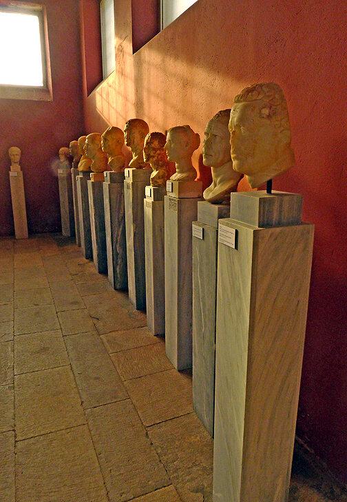 P1030944 - Musée de Dilos - Empereurs romains -