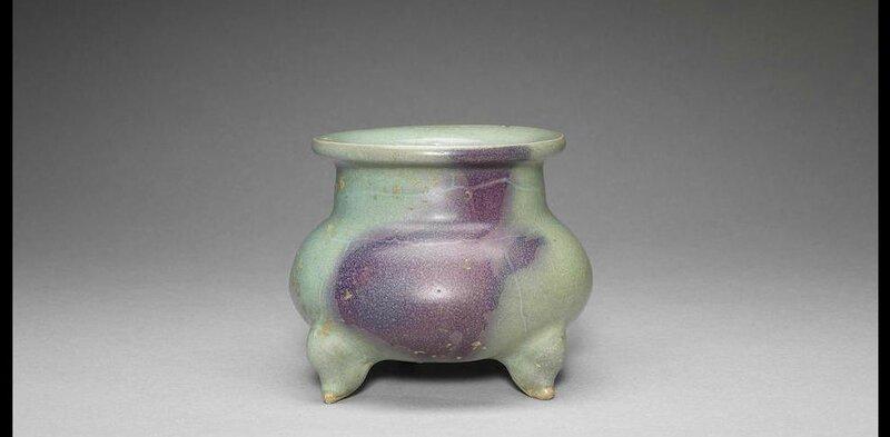 A junyao tripod incense burner, Jin-Yuan Dynasty