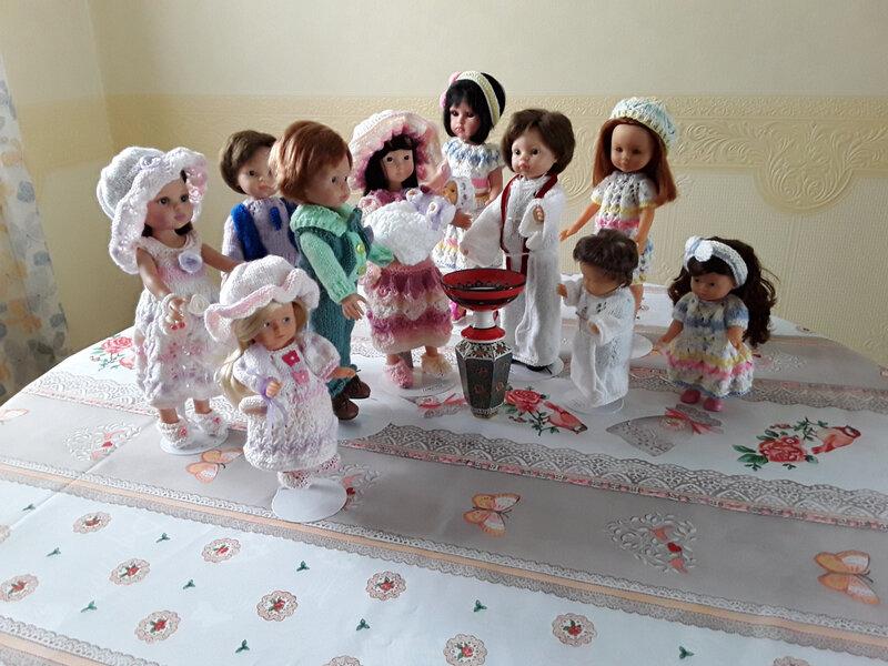 Tout le monde est prêt pour le baptême de Tessa