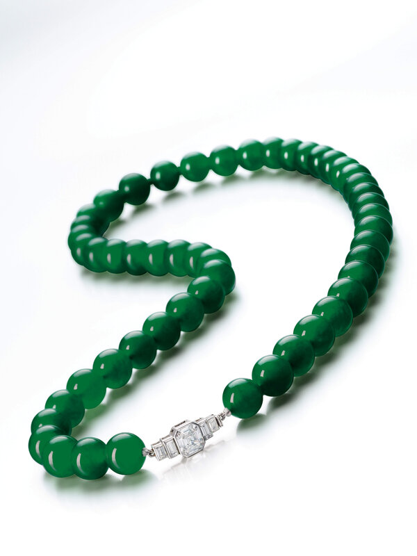 Chaumet_An Important Jadeite Bead and Diamond Necklace, with a diamond clasp signed_144HK0817