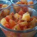 **salade tardive de melon a la tomate et au basilic en verrine et crevettes**