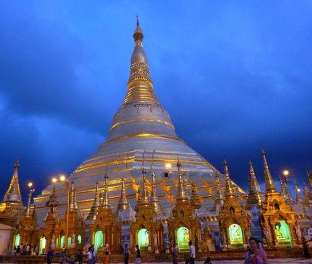 shwedagon nuit