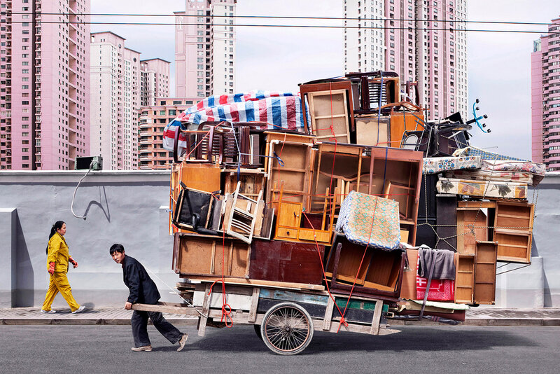 totems-alain-delorme-photography-streets-china_dezeen_2364_col_5