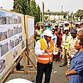 Le ministre des travaux publics visite les sites d'aménagement des entrées est et ouest de la ville de