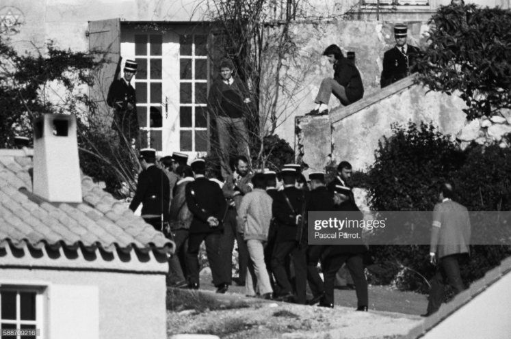 2021-04-12 22_51_29-Reenactment of the Auriol Massacre Photo d'actualité - Getty Images - Opera