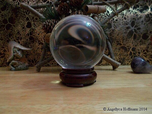 Boule de cristal - Blog ésotérique Samhain Sabbath