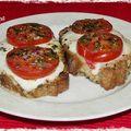 Crostinis tomates mozzarella