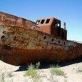 015 - Moynaq, ancien prt de la mer d'Aral... (Ouzbékistan)