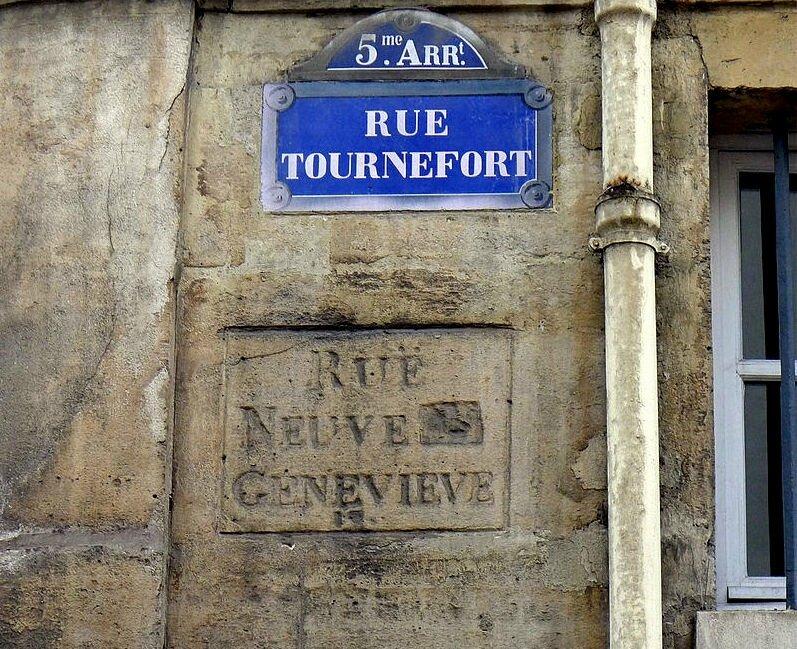 P1210592_Paris_V_rue_Tournefort_ancienne_inscription_rwk