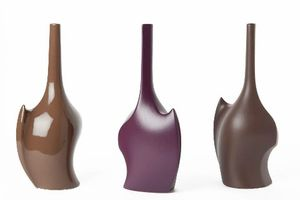 Créations-et-éditions-KOSTKA-vase-violet-marron-500x333
