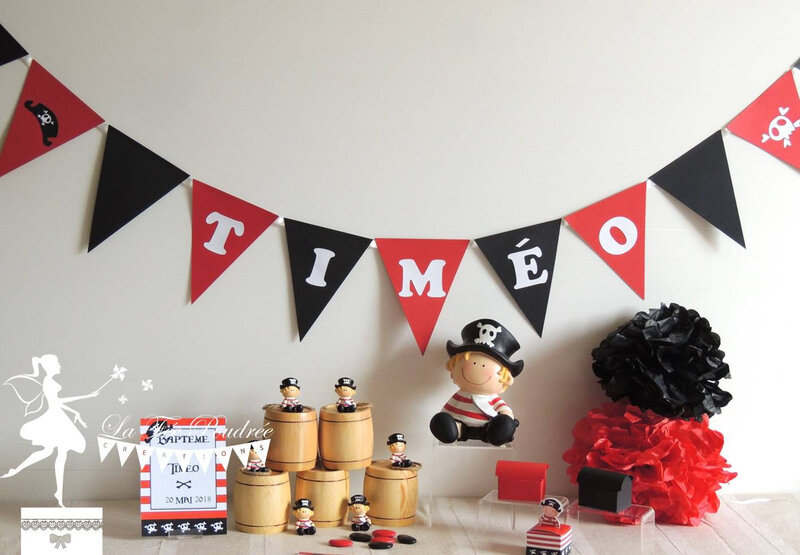 guirlande fanion decore bapteme prenom rouge noir pirate tirelire mini sujet pompon faire part