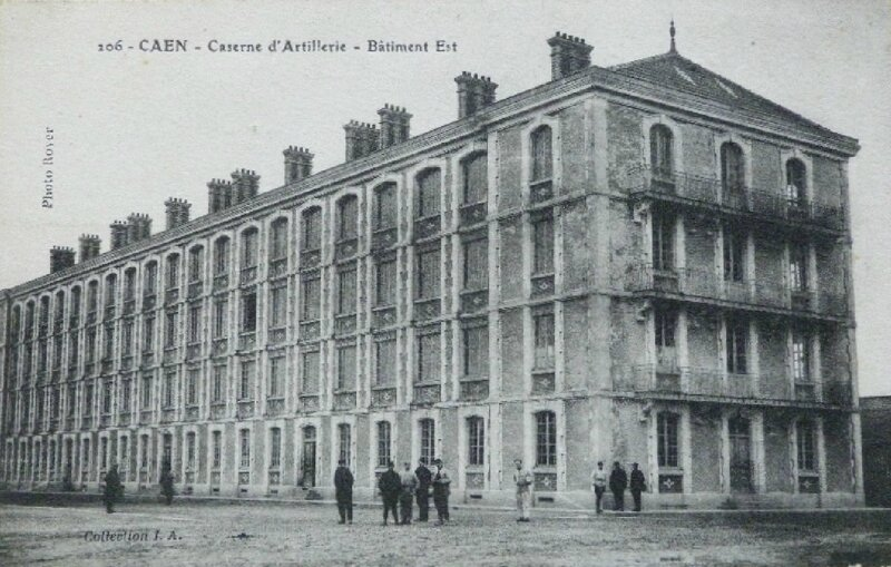 106 - Caen - caserne d'artillerie - bâtiment est (carte postale coll. Verney-grandeguerre)