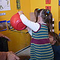 Autour de l'eau 2 : installation d'un aquarium en maternelle