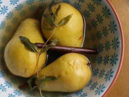 poires pochées citronelle