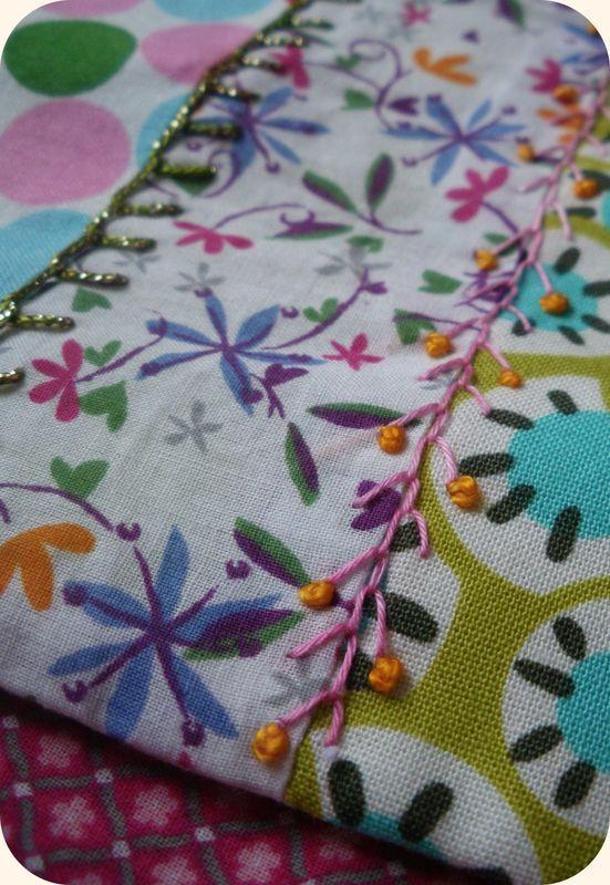 Broderie pour la pochette à crochets de Liline