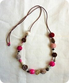 Windows-Live-Writer/Collier-de-lainePink-felt-necklace_9D63/P1070535_thumb