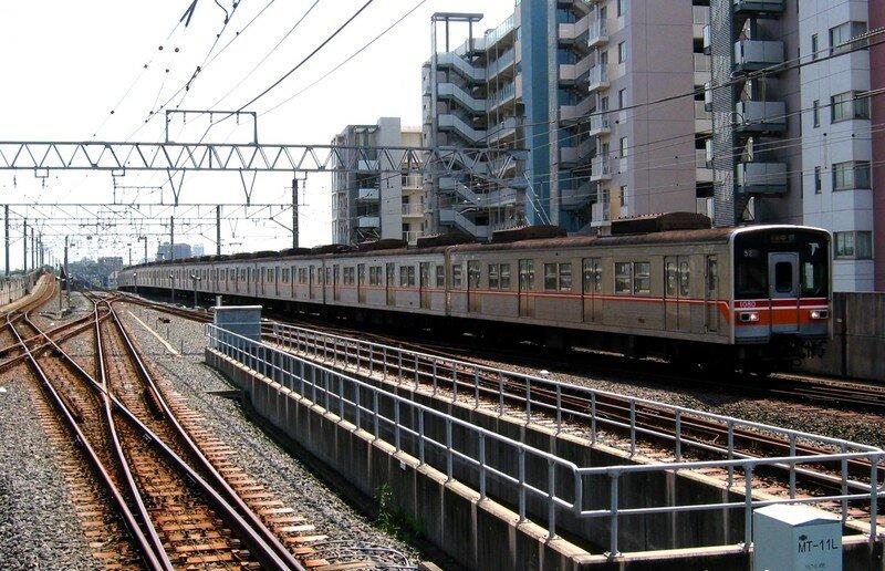 Tôyô Rapid Railway 1000系 Midorigaoka eki