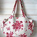 Le sac boule en lin fleuri rose