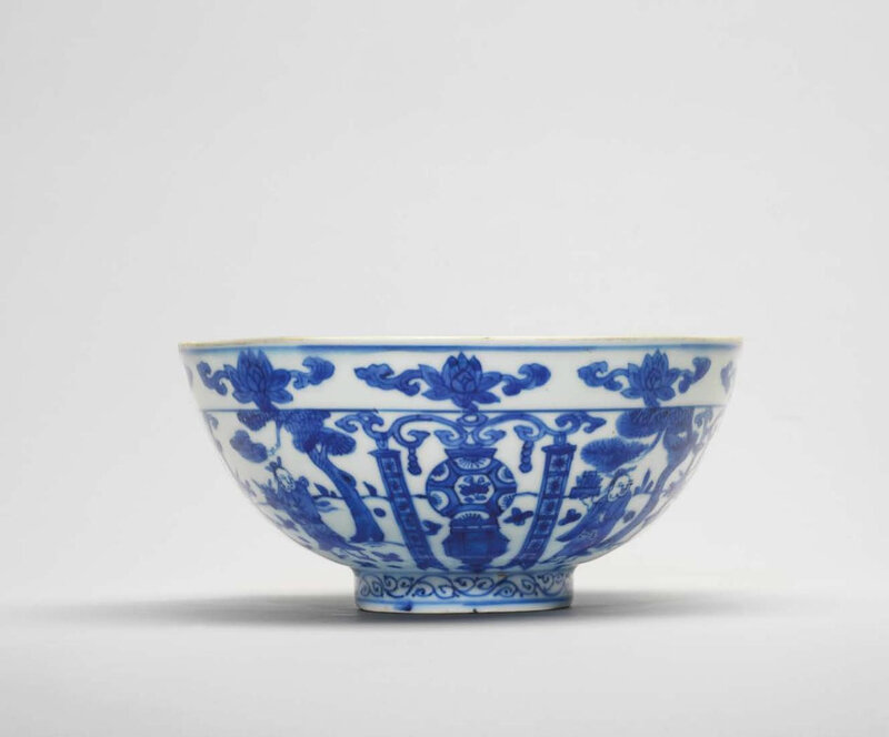 A blue and white 'Daoist immortal and lantern' bowl, Wanli six-character mark in underglaze blue within a double circle and of the period (1573-1619)