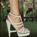 La sandale de l'été 24x33 cm