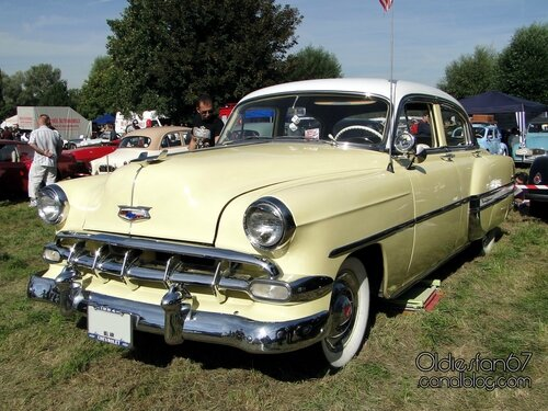 chevrolet-bel-air-sedan-1954-03
