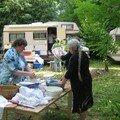 le campement camping car et caravane, sans oublié les corvées meme en plein air