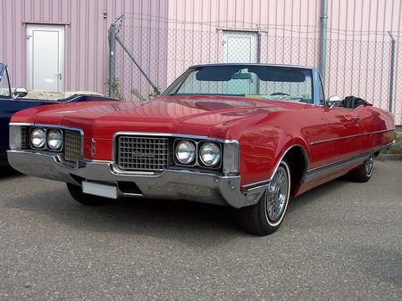 68_OLDSMOBILE_Ninety_Eight_Convertible_1