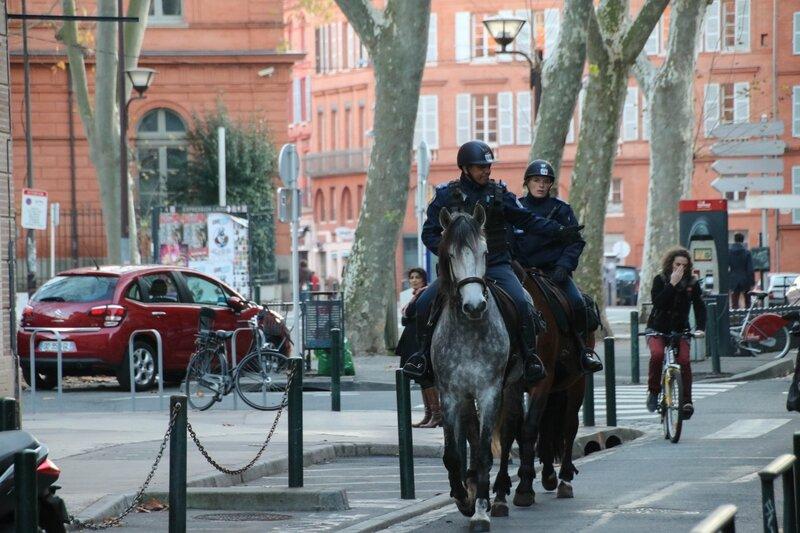 Policiers à cheval