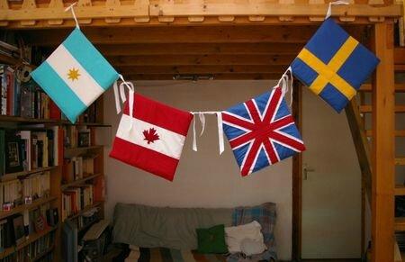 coussins drapeaux, 2012