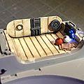 Deagostini MF 042 Et, enfin, des accessoires. Les boules sont de l'étain et le tissus du scotch alu...
