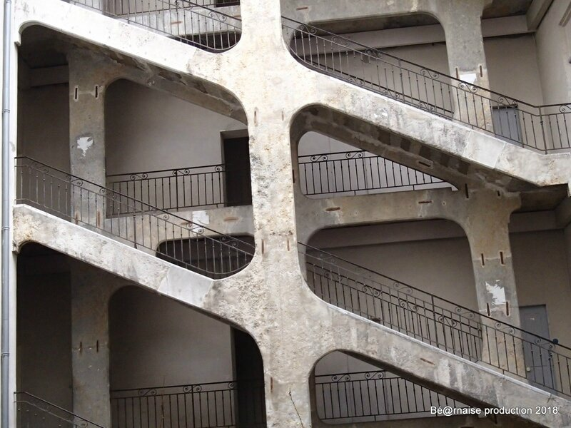 L'escalier monumental de la Cour des Voraces