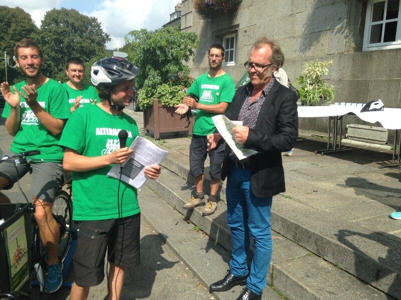 tour France alternatiba Avranches Thierry Pennec adjoint maire Barthélémy Camedescasse 17 août 2015 vélorution pacte pour la transition