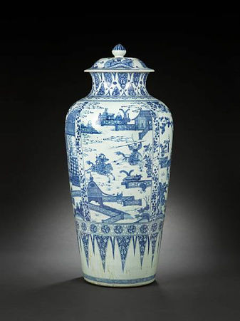A_rare_and_large_blue_and_white__soldier__vase_and_cover2