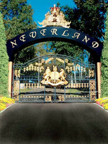 Neverland-Gates-neverland-valley-ranch-19430671-376-500