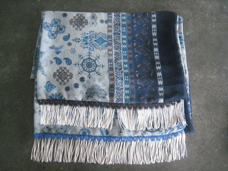 Echarple bleue à franges (1)