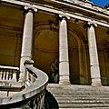 La colonnade du musée Galliera.